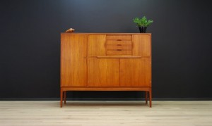 HIGHBOARD TEAK VINTAGE DANISH DESIGN RETRO