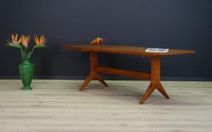 CLASSIC TEAK COFFEE TABLE DANISH DESIGN 60/70