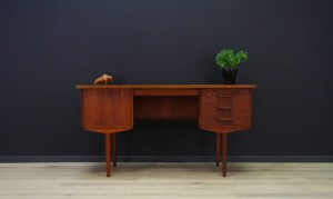 SCANDINAVIAN DESIGN WRITING DESK TEAK