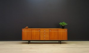 MID-CENTURY SIDEBOARD DANISH DESIGN