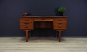 MID-CENTURY ROSEWOOD WRITING DESK DANISH DESIGN