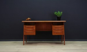 G.N. TIBERGAARD WRITING DESK CLASSIC TEAK