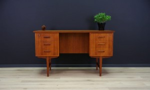 WRITTNG DESK DANISH DESIGN CLASSIC TEAK 60/70