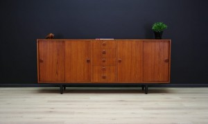 RETRO VINTAGE SIDEBOARD DANISH DESIGN TEAK