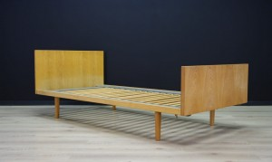 H. WEGNER BED ASH VINTAGE DANISH DESIGN