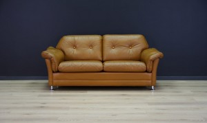 MID-CENTURY SOFA CLASSIC LEATHER DANISH DESIGN