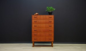 VINTAGE DANISH DESIGN CHEST OF DRAWERS TEAK