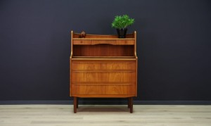 SEKRETAIRE DANISH DESIGN DRESSING TABLE TEAK