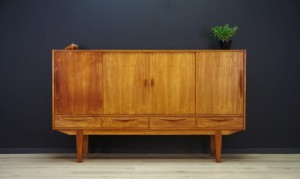 HIGHBOARD MID-CENTURY DANISH DESIGN TEAK