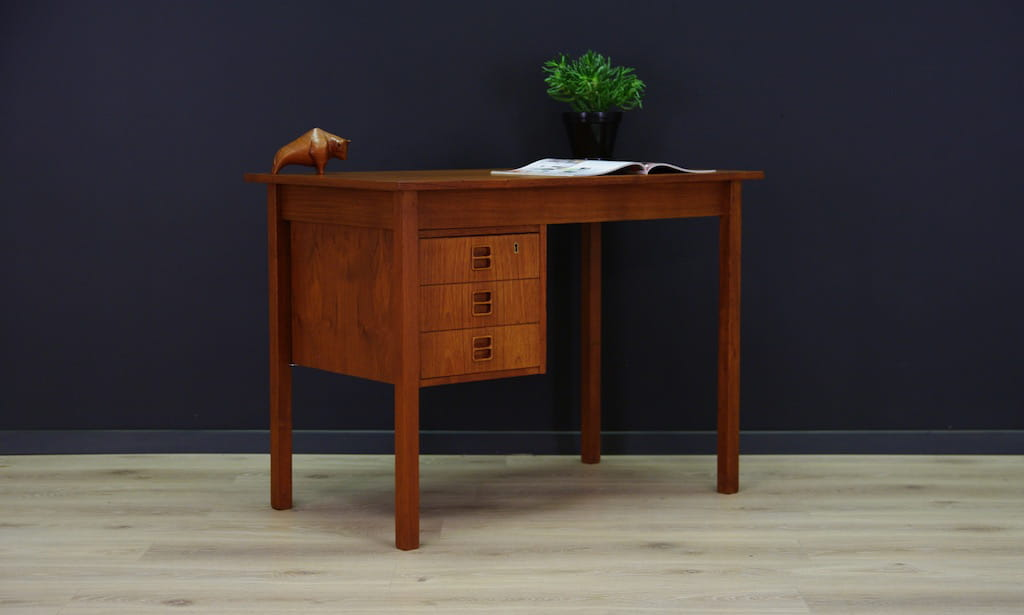 Schreibtisch vintage  53185b15ad6823fbe9371e867a5c101a.jpg